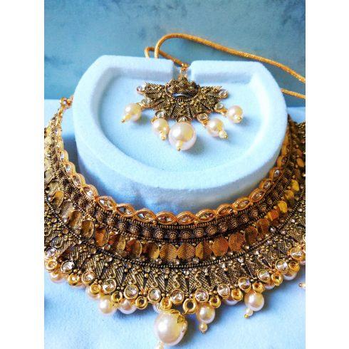 Gold Color Kundan & Imitation Pearl Necklace With Earrings & Maang Tikka