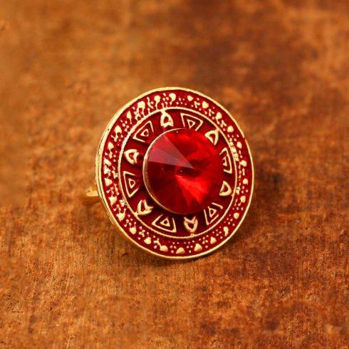 Vörös kör alakú meenakari gyűrű