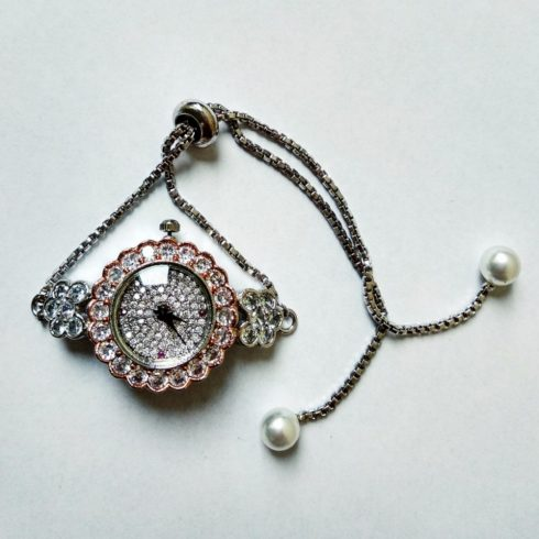 Rhinestone watch with pearls